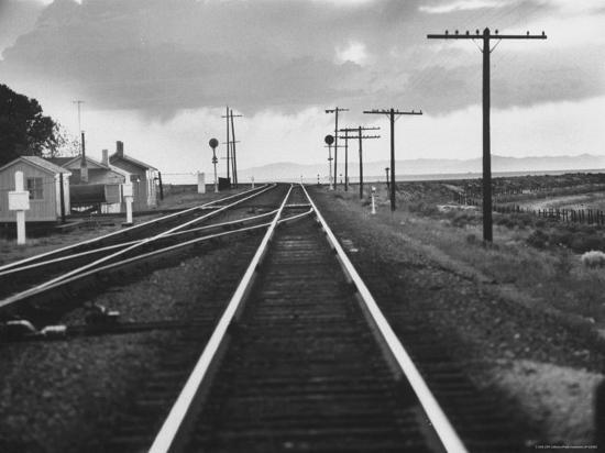 frank-scherschel-excellent-of-southern-pacific-railroad-tracks-stretching-off-into-the-distance