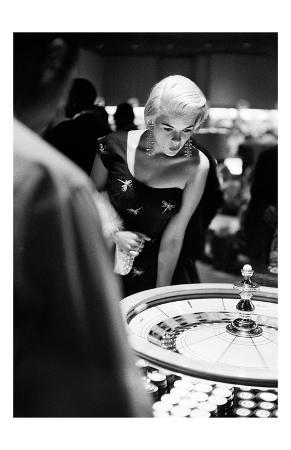 frank-worth-jayne-mansfield-plays-roulette