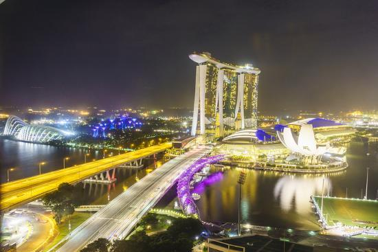 fraser-hall-busy-roads-leading-to-the-marina-bay-sands-gardens-by-the-bay-and-artscience-museum-at-night