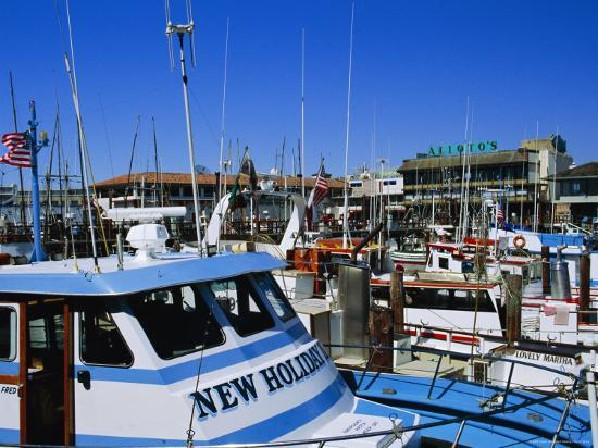 fraser-hall-fleet-of-small-fishing-boats-around-pier-39-fisherman-s-wharf-san-francisco-california-usa