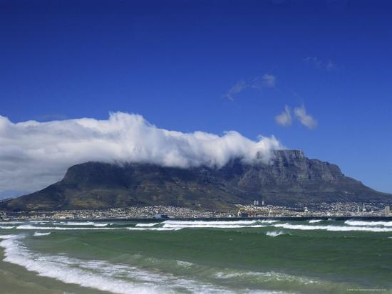 fraser-hall-table-mountain-viewed-from-bloubergstrand-cape-town-south-africa