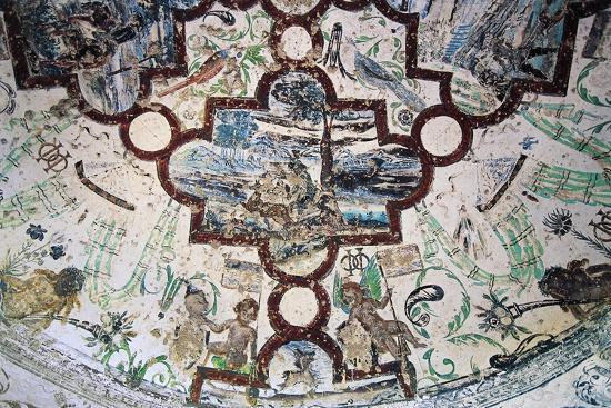 frescoes-domeyrat-castle