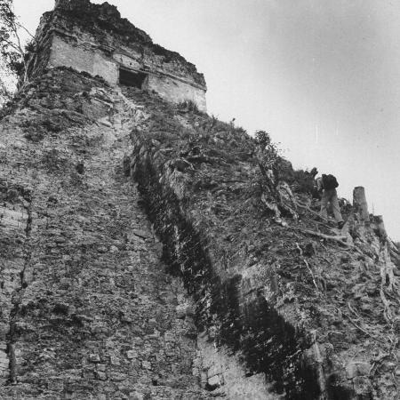 fritz-goro-some-tikal-ruins