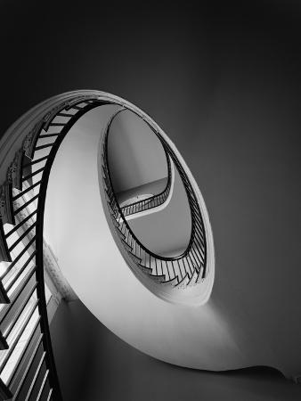 g-e-kidder-smith-spiral-staircase-in-nathaniel-russell-house
