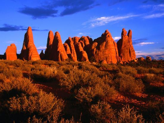 gareth-mccormack-eroded-sandstone-pinnacles-and-fins-arches-national-park-utah-usa
