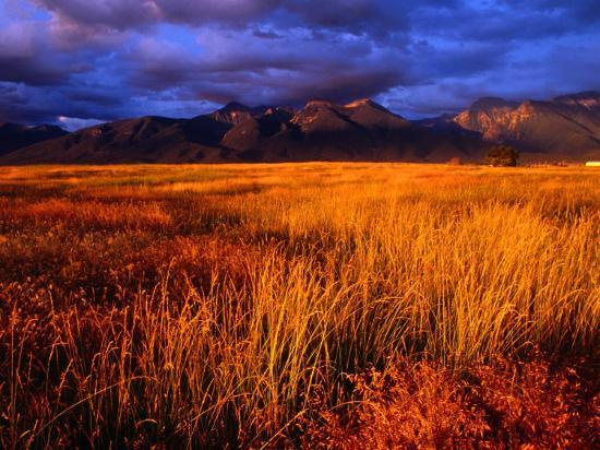 gareth-mccormack-mission-mountains-at-sunset-in-the-flathead-indian-reservation-montana-usa
