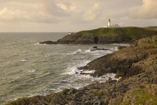 gary-cook-killantringall-lighthouse-near-portpatrick-rhins-of-galloway-dumfries-and-galloway-scotland-uk