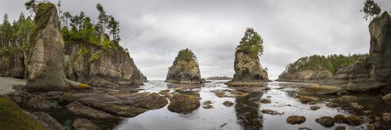 gary-luhm-washington-panorama-of-sea-kayakers-paddling-at-cape-flattery-on-the-olympic-coast