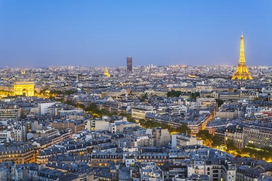 gavin-hellier-city-arc-de-triomphe-and-the-eiffel-tower-viewed-over-rooftops-paris-france-europe