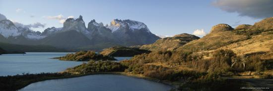 gavin-hellier-cuernos-del-paine-rising-up-above-lago-pehoe-torres-del-paine-national-park-patagonia-chile