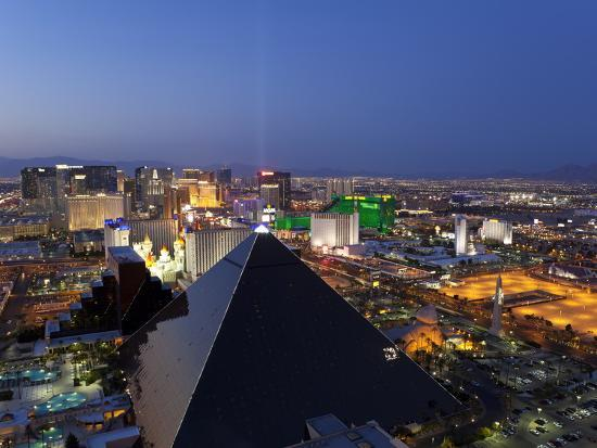 gavin-hellier-elevated-view-of-casinos-on-the-strip-las-vegas-nevada-united-states-of-america-north-america