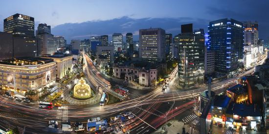 gavin-hellier-elevated-view-over-fountain-square-the-bank-of-korea-financial-district-seoul-south-korea
