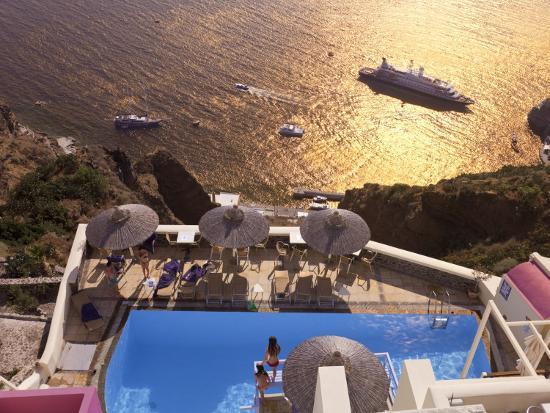 gavin-hellier-fira-santorini-thira-cyclades-islands-greece