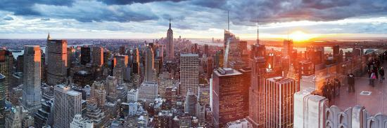 gavin-hellier-manhattan-view-towards-empire-state-building-at-sunset-from-top-of-the-rock-at-rockefeller-plaza