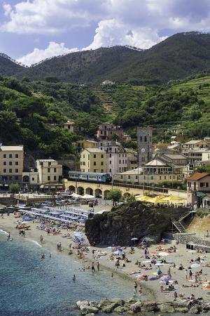 gavin-hellier-monterosso-al-mare-cinque-terre-unesco-world-heritage-site-liguria-italy-europe