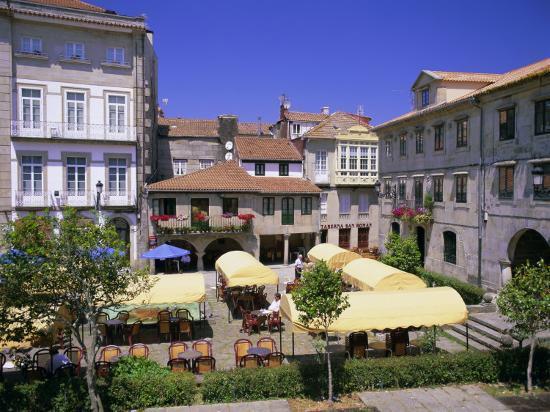 gavin-hellier-old-town-cafes-pontevedra-galicia-spain-europe