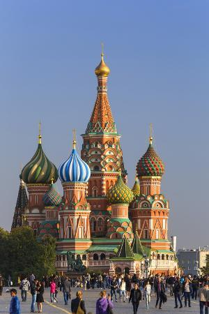 gavin-hellier-st-basils-cathedral-in-red-square-moscow-russia
