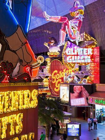 gavin-hellier-the-freemont-street-experience-in-downtown-las-vegas-las-vegas-nevada-usa-north-america