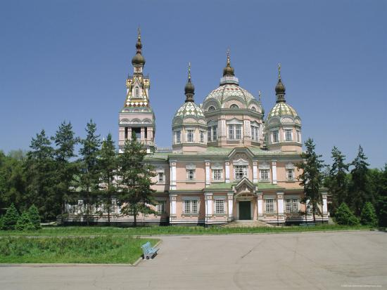 gavin-hellier-the-zenkov-cathedral-built-with-wood-but-no-nails-in-1904-at-almaty-kazakhstan-central-asia