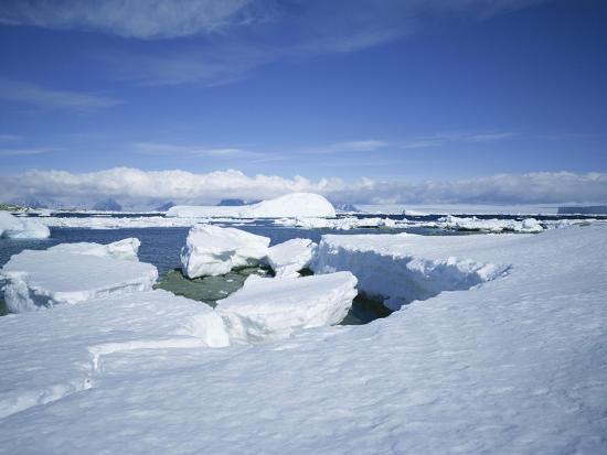 geoff-renner-coastal-landscape-antarctic-peninsula-antarctica-polar-regions