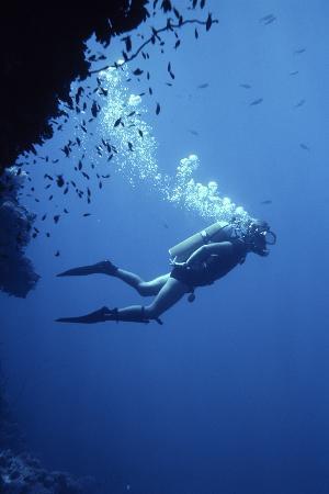 geoff-tompkinson-scuba-diver
