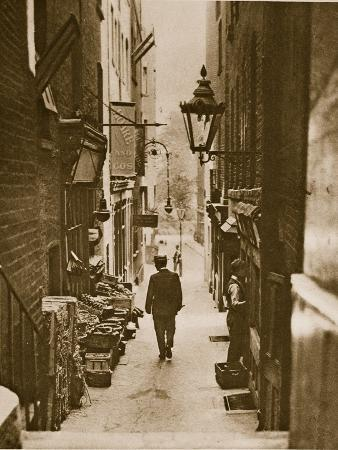 george-court-an-alleyway-to-the-adelphi-from-the-strand