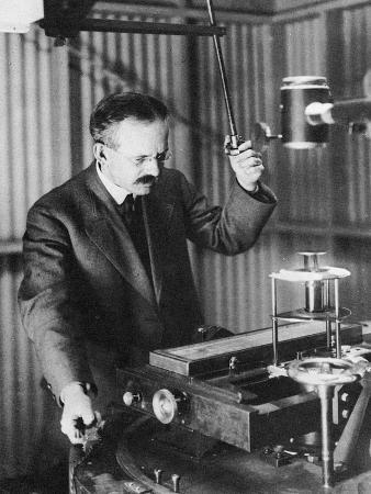george-ellery-hale-1868-193-american-astronomer-observing-sunspots-1907