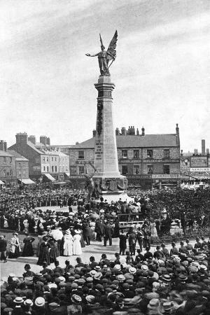 george-frank-unveiling-the-northumberland-war-memorial-1908-1909