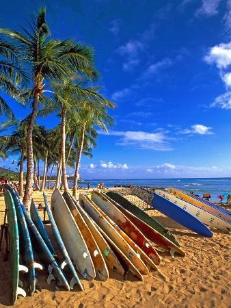george-oze-surfboards-on-waikiki-beach