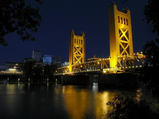 george-oze-the-tower-bridge-of-sacramento-at-night-ca