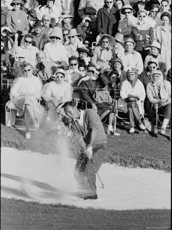 george-silk-golf-player-arnold-palmer-blowing-his-lead-on-the-18th-hole-in-the-master-s-golf-tournament