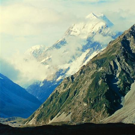 george-silk-new-zealandsnow-capped-mountain-in-new-zealand