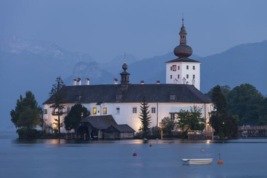gerhard-wild-schloss-orth-traunsee-gmunden-salzkammergut-upper-austria-austria