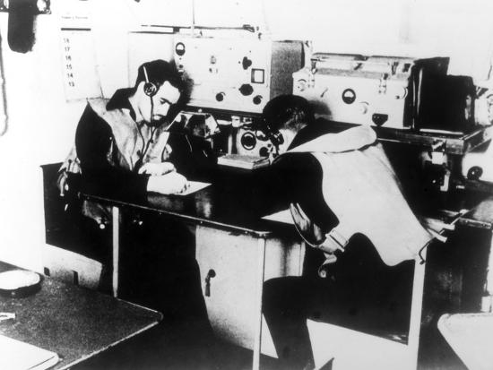 german-navy-signal-room