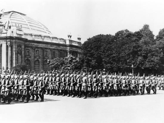 german-troops-parading-before-the-german-commandant-of-paris-8-july-1941