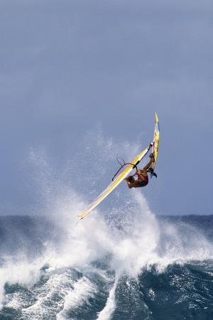 gerry-reynolds-windsurfing-on-the-ocean-at-sunset-maui-hawaii-usa