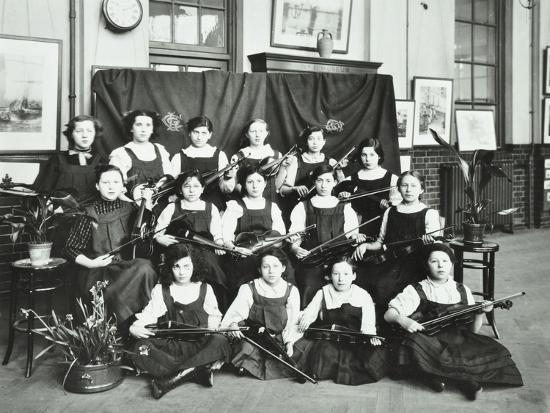 girls-swimming-championship-team-with-their-shield-tollington-park-central-school-london-1915