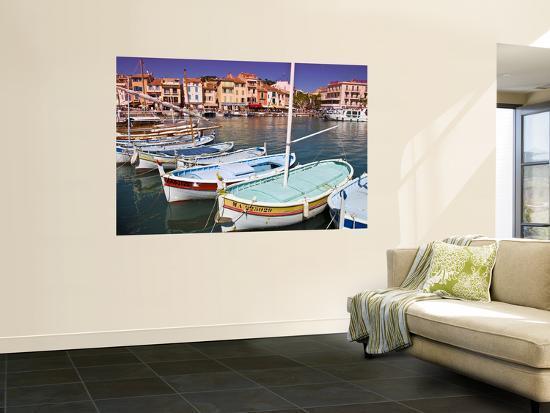glenn-beanland-boats-moored-in-harbour