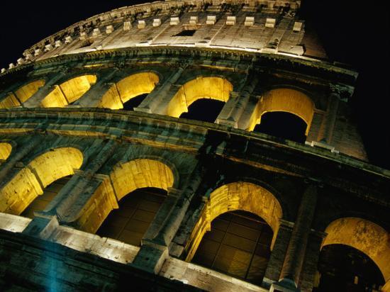 glenn-beanland-colosseum-illuminated-at-night-rome-italy
