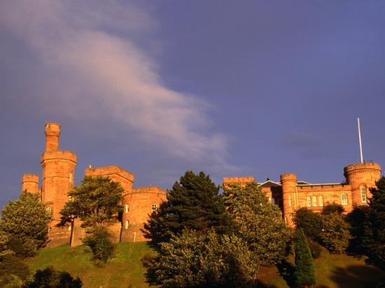 glenn-beanland-inverness-castle-on-hill-inverness-highland-scotland