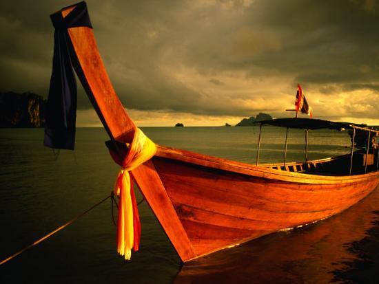 glenn-beanland-longtail-boat-with-ribbons-ao-nang-krabi-thailand