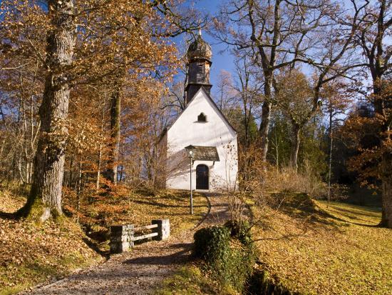 glenn-van-der-knijff-small-kapelle-chapel-at-schloss-linderhof-linderhof-palace-near-ettal