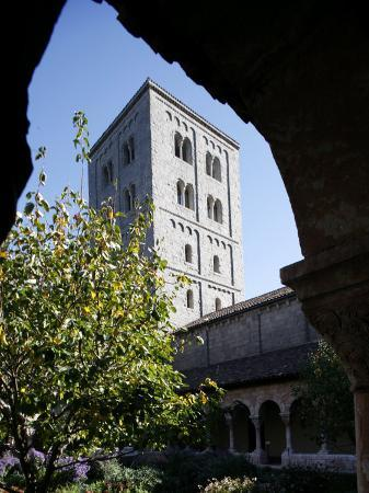 godong-cuxa-cloister-the-cloisters-of-new-york-new-york-united-states-of-america-north-america