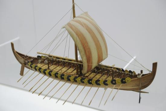 gokstad-ship-approx-900-a-d-was-found-in-a-burial-place-nera-gokstad-norway