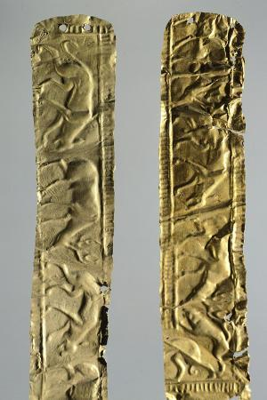 gold-foils-with-figures-of-animals