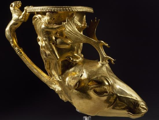gold-rhyton-in-shape-of-stag-s-head-with-heracles