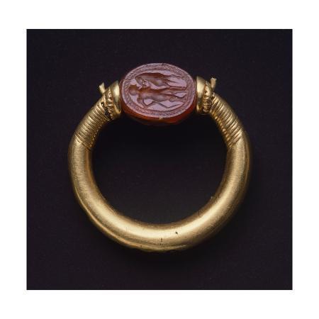 gold-ring-from-cerveteri