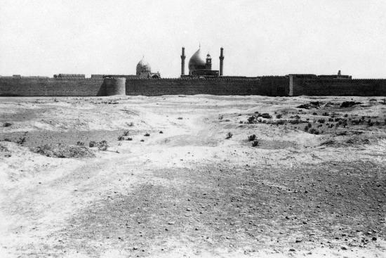 golden-dome-and-minarets-of-the-samarra-mosque-mesopotamia-1918