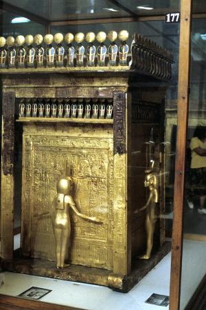 golden-shrine-of-the-egyptian-pharoah-tutankhamun-c1325-bc