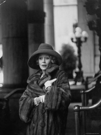 gordon-parks-british-actress-margaret-leighton-showing-new-fashion-trend-by-wearing-slouch-style-hat